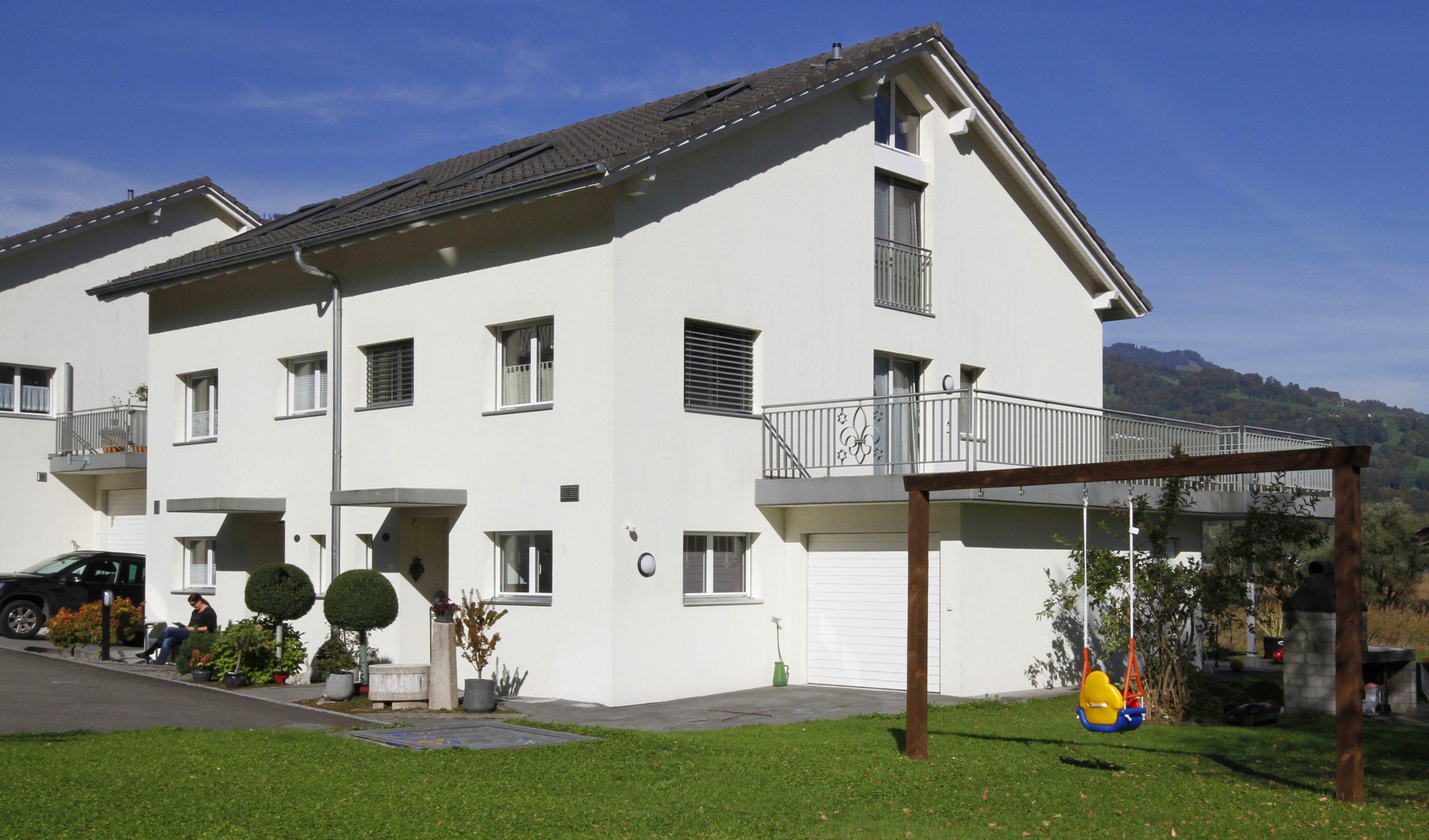 Doppel Einfamilienhaus an idyllischer Lage