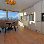 Modernes Penthouse mit überwältigender Aussicht