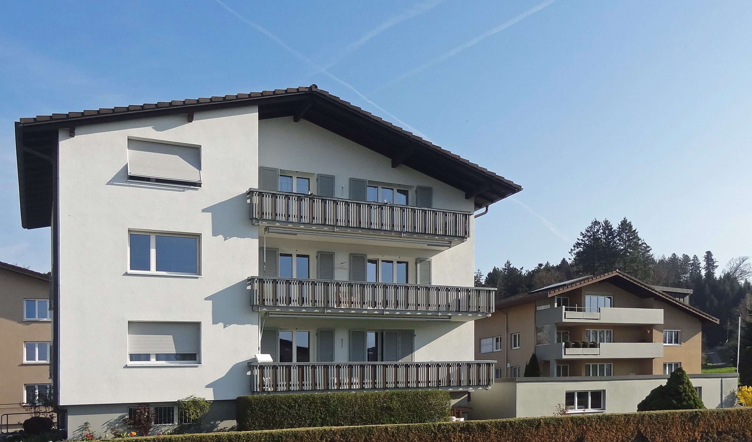 Zwei Mehrfamilienhäuser an interessanter Lage