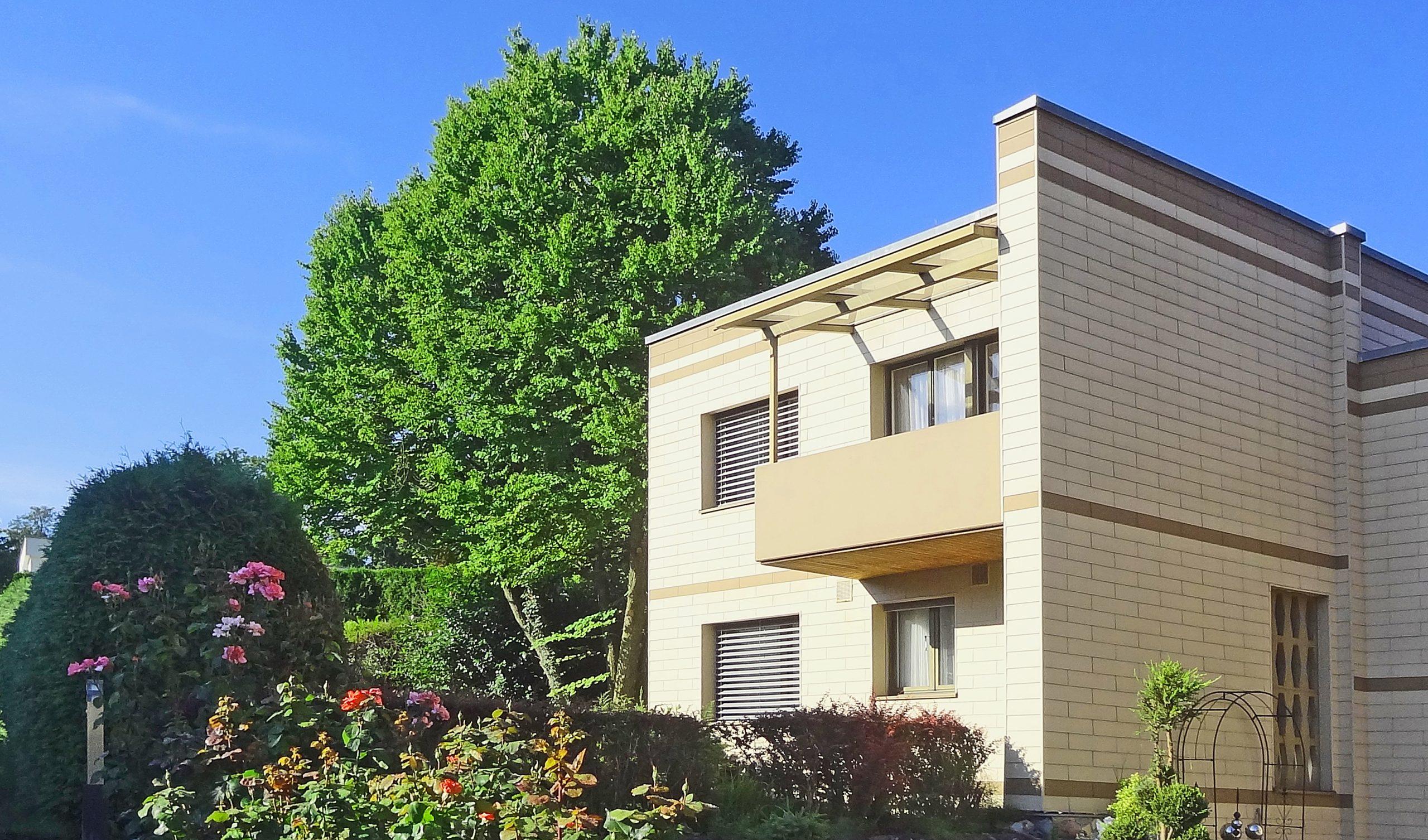 Einfamilienhaus an zentraler Lage mit grossem Garten