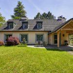 Repräsentatives Einfamilienhaus mit Garten und grosszügigem Nebenbau