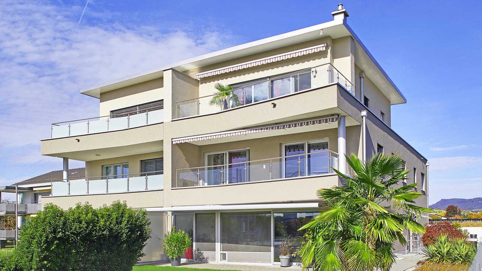 Modernes Haus mit Lift – viel Raum für Wohnen und Arbeiten