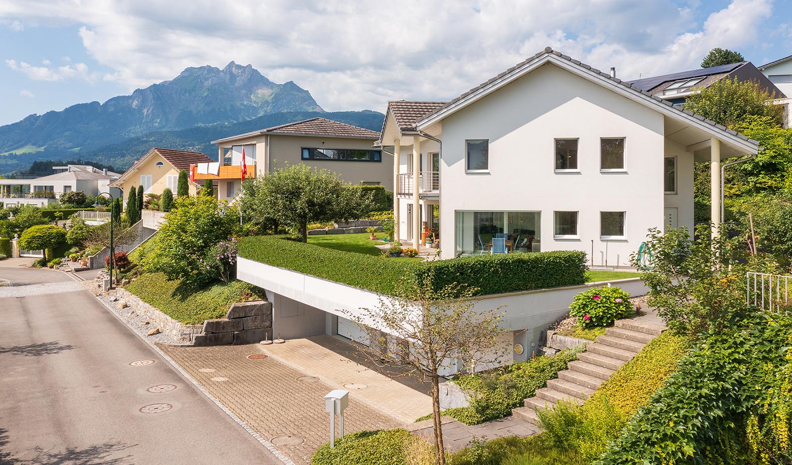 Sonnenverwöhntes Einfamilienhaus an exklusiver Wohnlage